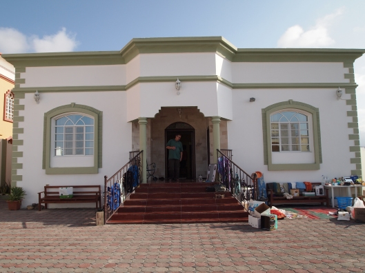 Ray & Ylena's villa ~ hosts to the swap market in birkat al mouz