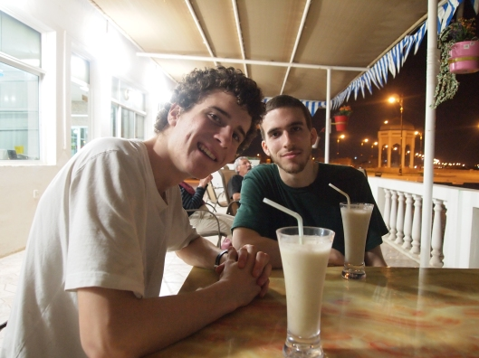 having banana juice at a restaurant in Sur