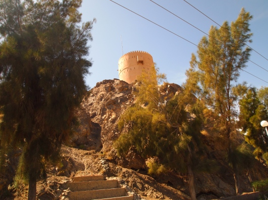 the watchtower at the turnoff to the nizwa cemetery