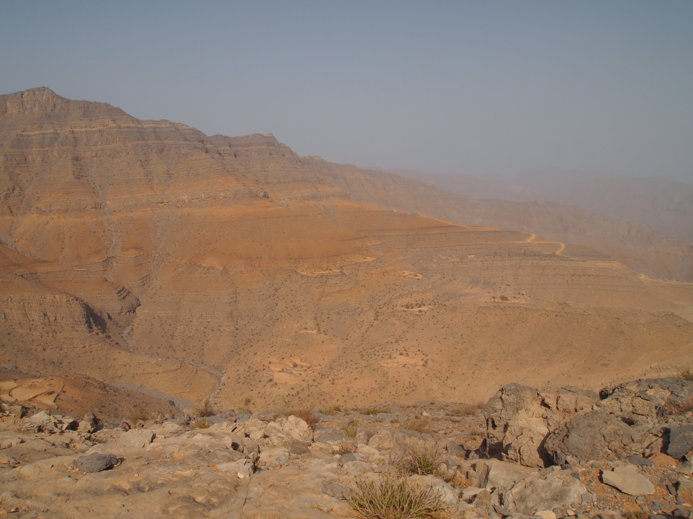 the road to jebel harim: petroglyphs, mountain views & graveyards (2/6)