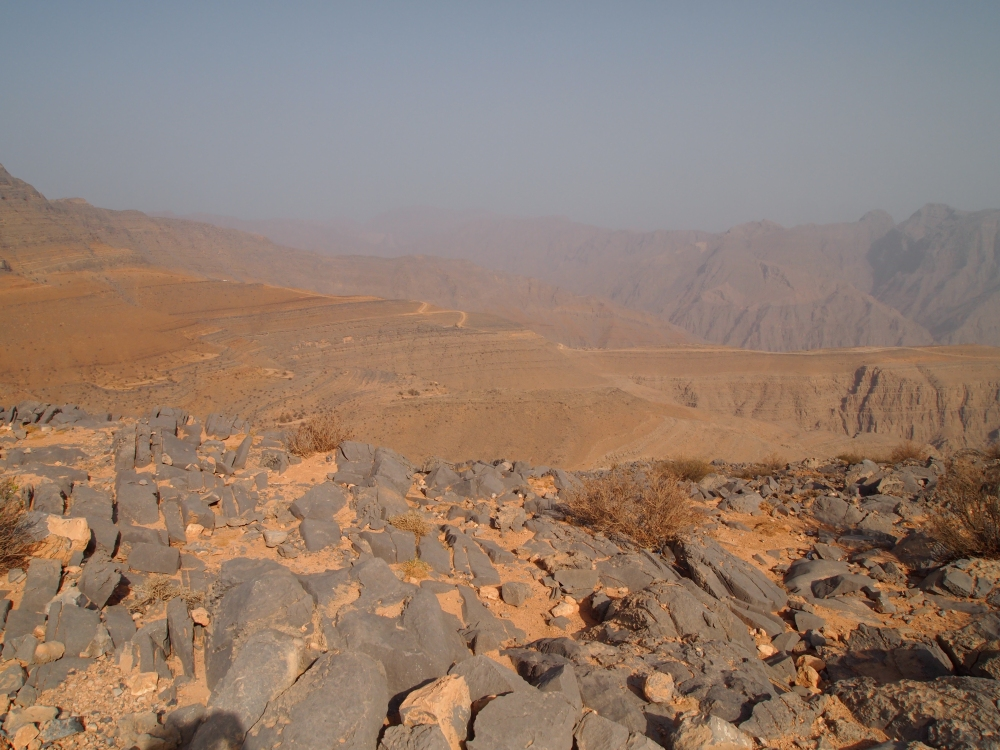 the road to jebel harim: petroglyphs, mountain views & graveyards (4/6)