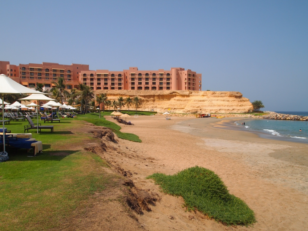 a day in paradise at shangri-la's barr al jissah resort & spa (5/6)