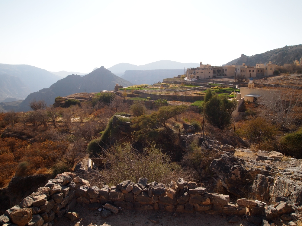 a hike around the hanging villages of wadi al ayn on jebel akhdar (4/6)