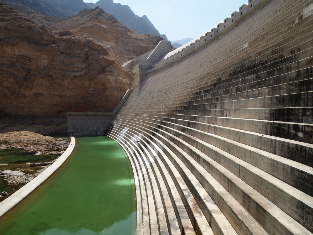 the east coast road trip: wadi dayqah dam & bimmah sinkhole. {part 2} (2/6)