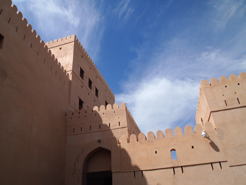 the rustaq loop: nakhal fort & ain a'thawwarah hot springs. {1st stop} (2/6)