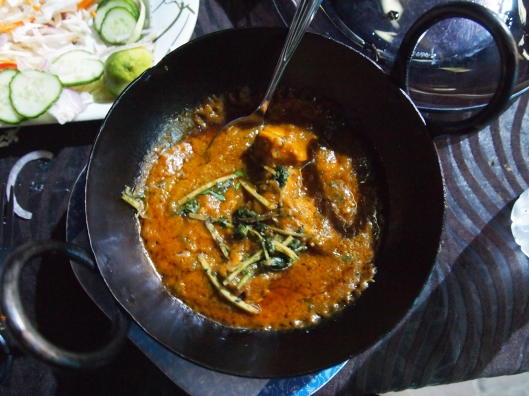 Pakistani chicken with delicious sauce