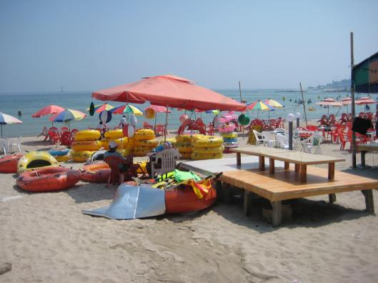 the tacky, crowded Guryongpo Beach near Pohang, South Korea