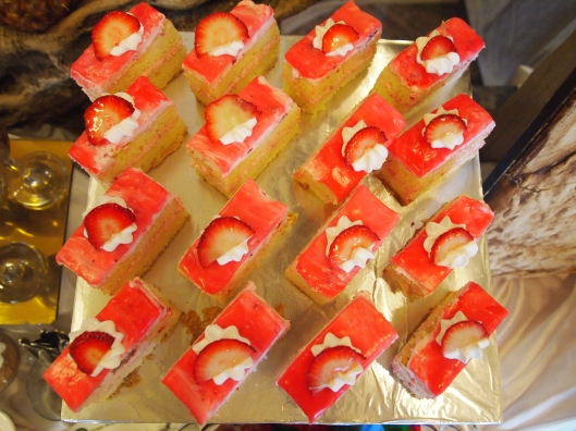 Strawberry mousse desserts